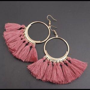 Jewelry - 🚨 5/$20 Mauve pink fringe tassel earrings
